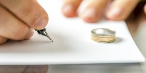 divorce-paper-ring