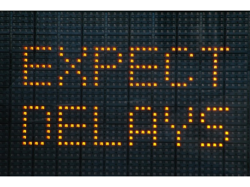 construction-delays-road-sign